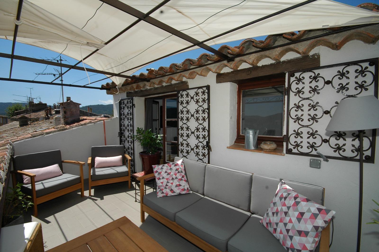 bastides et villas l 39 immobilier sainte maxime vente maisons terrains et villas ste maxime. Black Bedroom Furniture Sets. Home Design Ideas